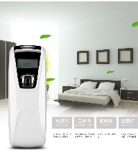深圳跃坤厂家直销新款LCD自动定时喷香机,ABS进口材质自动香水加香机,酒店用香水喷香机空气净化器,加香机厂家YK3590