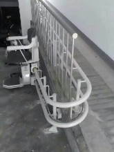 供应家庭老人座椅电梯残疾人设备定制保定市启运液压机械斜挂电梯
