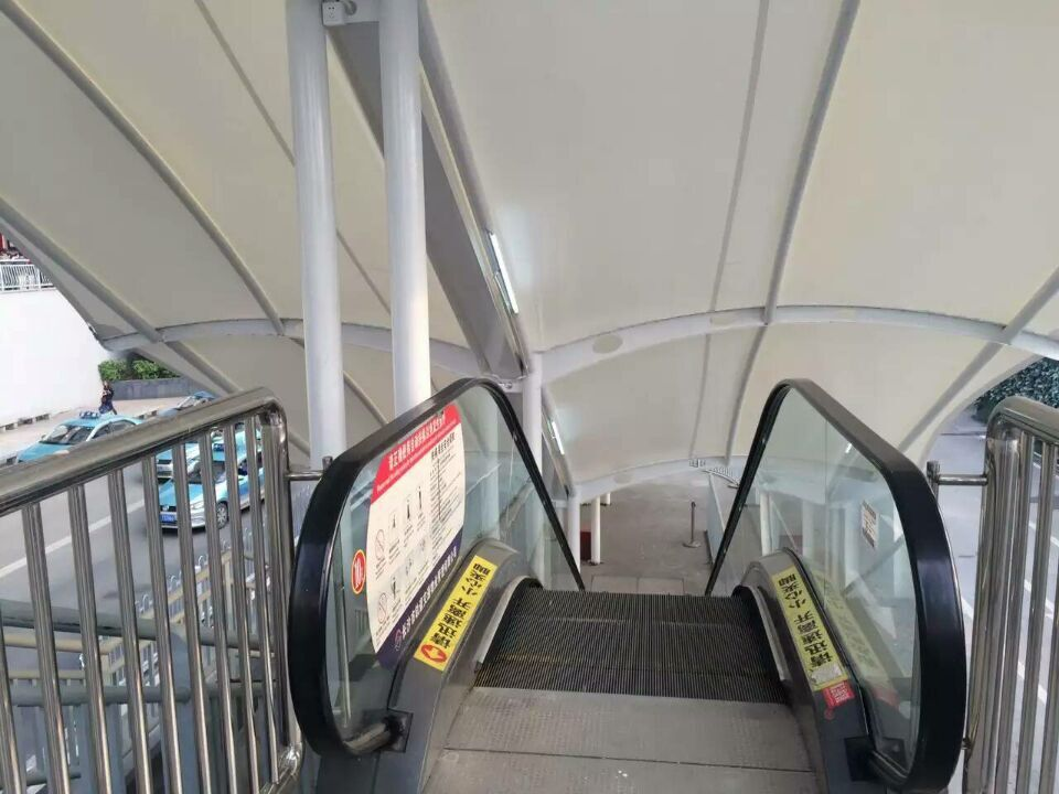 铁站出入口精美遮阳棚膜结构,汽车停车遮阳棚设计制作厂家-膜结构图片