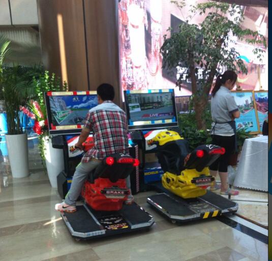 长沙图乐出租双人摩托车液晶格斗机等电子游戏机