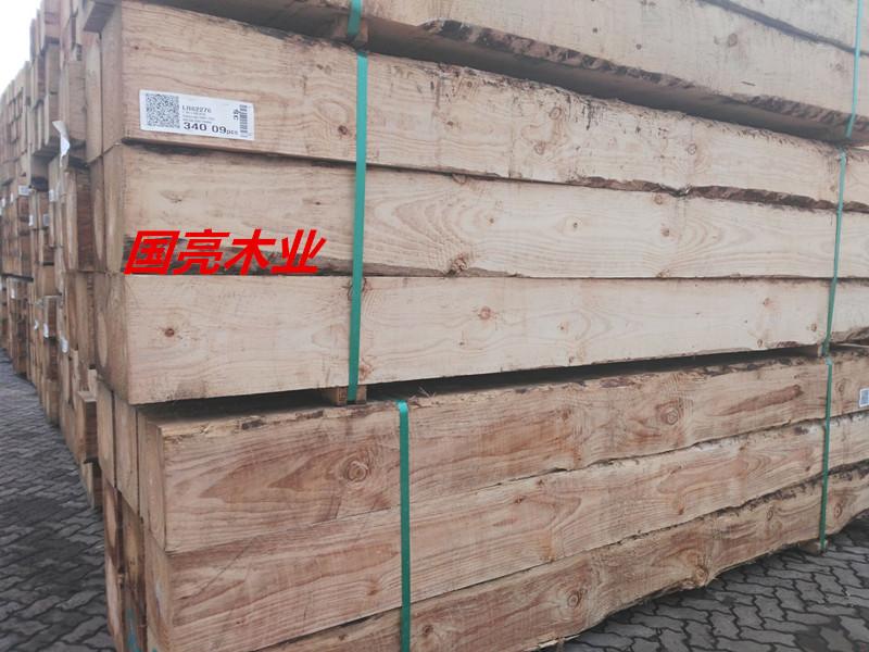 建筑木方批发木材加工厂直销松木方花旗松辐射松