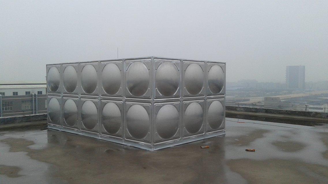 不锈钢屋顶水箱