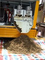 新一代粪便污物分离车,化粪池快速掏空车,粪便变肥料和清水车,下水道疏通管道清理车图片