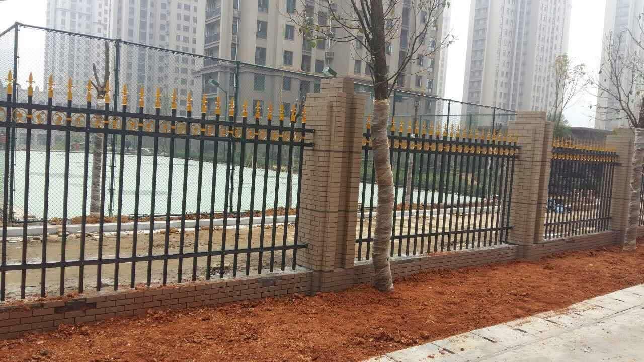 锌钢阳台护栏铝合金阳台护栏栅栏百叶窗大门楼梯扶手-阳台护栏栅栏图片