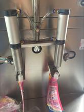 袋装洗衣液灌装机双头活塞袋装机