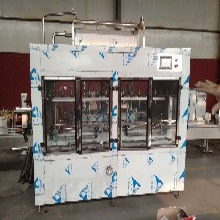 液态肥灌装生产线电脑直线液体灌装机