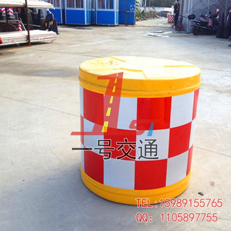 道路防撞桶图片