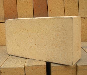 低水泥浇注料图片