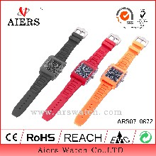 厂家现货供应时尚流行硅胶手表各种硅胶礼品表新品带钻表厂家OEM可定制代工