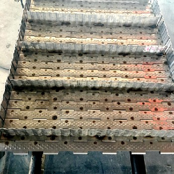 耐高溫輸送帶不銹鋼鏈板輸送帶食品材質