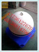 广西水库带标志浮漂水深警示浮球图片