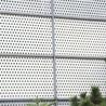中山冲孔板护栏抗风性强工地施工围挡用镀锌材质白色烤漆耐腐蚀