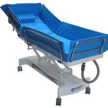 成都残疾人瘫痪病人专用沐浴床、洗浴车、老年人安全洗澡床图片