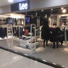 北京运动品牌服装卖场防盗器安装运动服装城防盗磁门图片