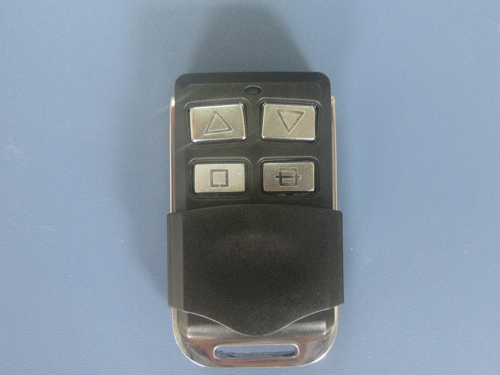 我厂产品主要有:卷帘门电机/控制器/遥控器