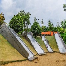 戶外商場非標滑梯大型不銹鋼滑梯兒童樂園滑滑梯親子螺旋滑梯定制