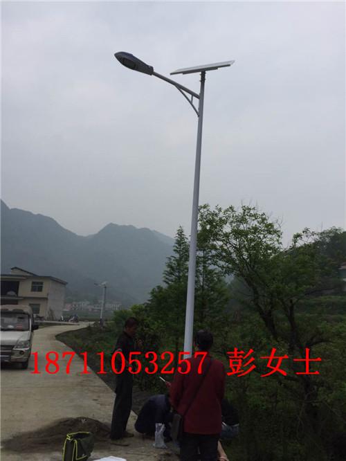 湖南长沙浏阳太阳能LED路灯厂家浏阳太阳能路灯价格