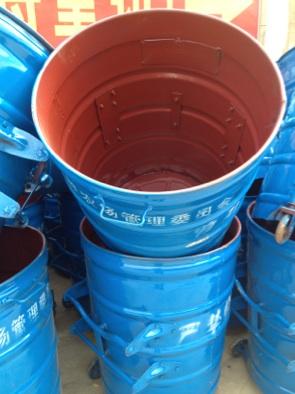 云南铁垃圾桶图片