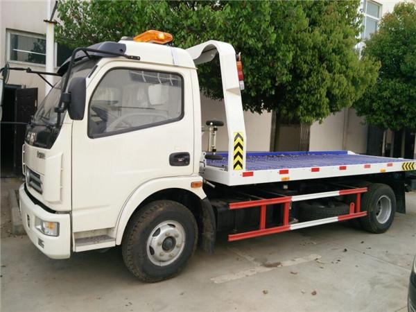 多利卡一拖二救援车改装,最新款清障车