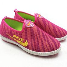 厂家直销便宜男女鞋子批发情侣运动网球鞋批发图片