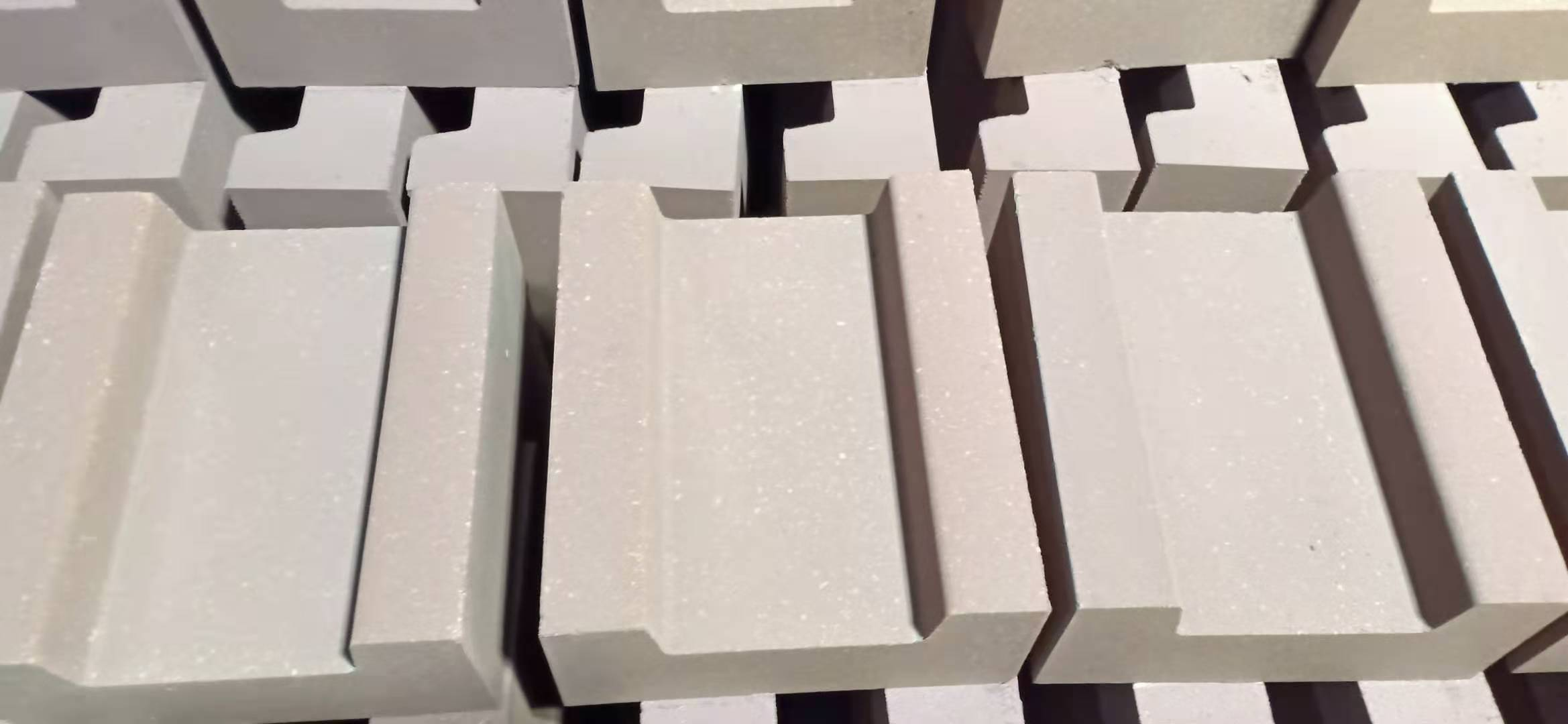 镁铁砖(槽型)