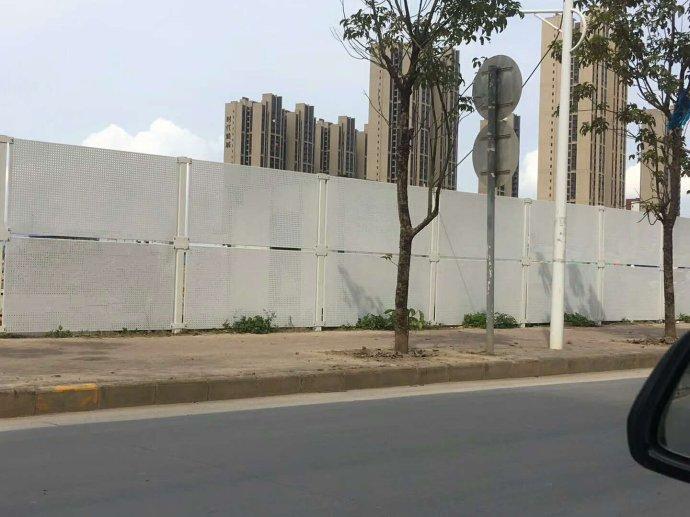 广东珠海工地隔离护栏佛山冲孔板围挡围栏定做金属防风抑尘网声屏障