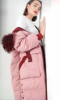 熙兰雅19年冬装白鸭绒羽绒服折扣尾货批发折扣女装店冬装大毛领羽绒服货源批发