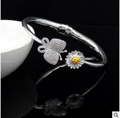 S990纯银手镯 韩版蝶恋花手镯 时尚水晶钻银手镯女 新款 【品牌】: