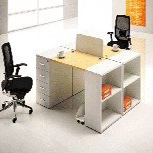 合肥办公桌厂家专业定制屏风隔断、工位桌、板式办公桌、会议桌等