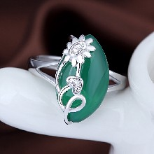 s925纯银镀白金指环天然玉髓时尚花型推拉戒指饰品关节食指戒