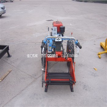 常年供应优质配手扶的土豆收获机洋芋挖掘机马铃薯挖掘机