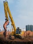 定做挖掘机打桩臂,改装打拔9-16米钢桩水泥桩打桩臂图片