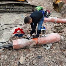 分石机挖机破石机矿山破石棒劈石单方成本潍坊图片
