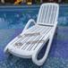 沈阳游泳池塑料躺椅酒店会所户外躺床塑料沙滩椅厂家直销