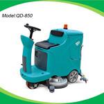 驾驶式洗地机工厂物业小区电瓶式驾驶式洗地车工厂车间洗地机图片