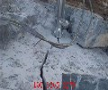 采石场二次分解打碎石头液压劈裂器