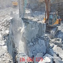 金昌花岗岩粉碎劈裂机岩石破石机厂家地址图片