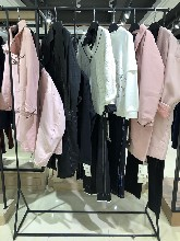 高端雪罗拉羽绒服品牌折扣女装批发哪里有