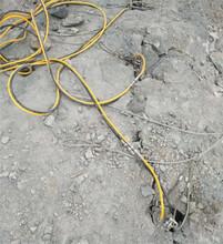 黔西南晴隆石料場石頭靜態裂石機一個班產量圖片