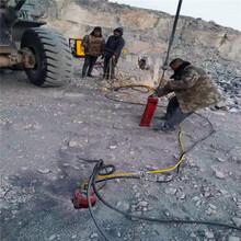 海南省直辖屯昌腊石开采机器设备工具一个班产量劈裂机图片