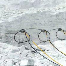 新乡牧野区岩石分裂棒芙蓉石无声开采工具厂家批发采石机图片