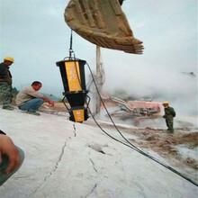汉中镇巴挖河道岩石破拆中风化岩石开挖设备当地代理商开挖石头图片