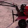 多功效小型耕地机
