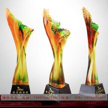 深圳琉璃工艺品厂家直销,公司庆典商务高档摆件,协会成立琉璃帆船制作图片