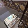 别墅铝艺雕刻旋转玫瑰金楼梯护栏定制厂家