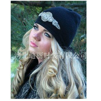 阿里巴巴批發網女式山羊絨水鉆貼帽子2017外貿原單新款