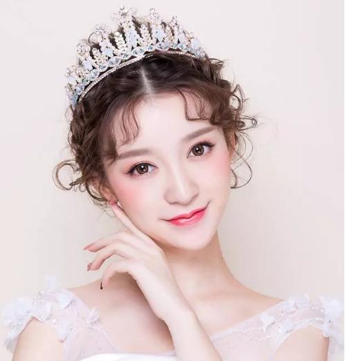 2018年皇冠新娘妆造型,娄底玲丽教育包学会为止