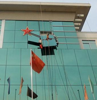 深圳湛江专业高层外墙玻璃高空清洗翻新高盛幕墙图片1