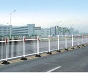 江苏顺利交通镀锌钢护栏市政护栏价格国标交通设施围栏厂家直销图片