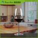 红酒杯批发厂家分享丨为什么要用红酒杯喝红酒?平底杯有何不可?瑞信玻璃